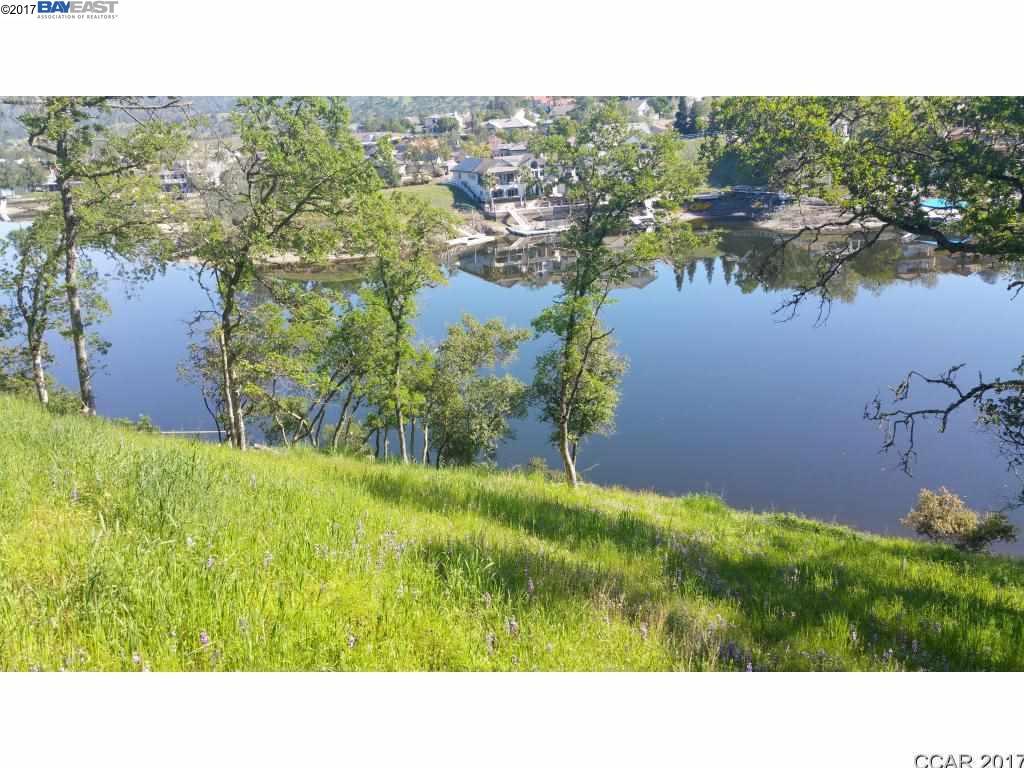 Terrain pour l Vente à 5001 LAKESHORE Drive Copperopolis, Californie 95228 États-Unis