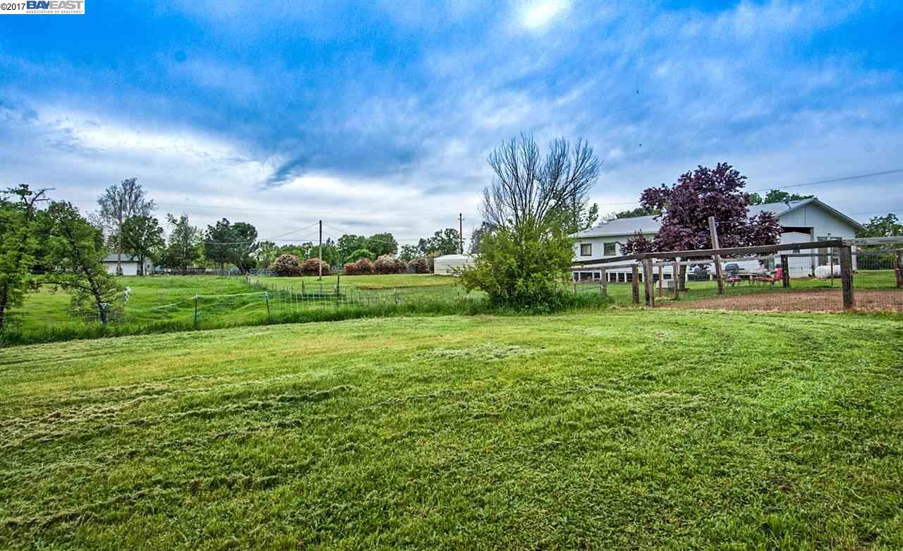 Additional photo for property listing at 21650 Kathy Lane 21650 Kathy Lane Redding, 加利福尼亞州 96003 美國
