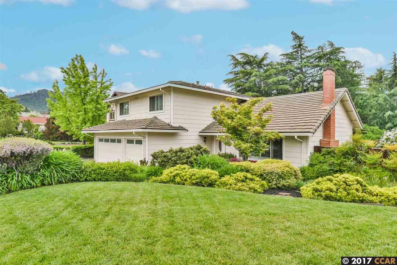 Maison unifamiliale pour l Vente à 31 Nottingham Place Clayton, Californie 94517 États-Unis