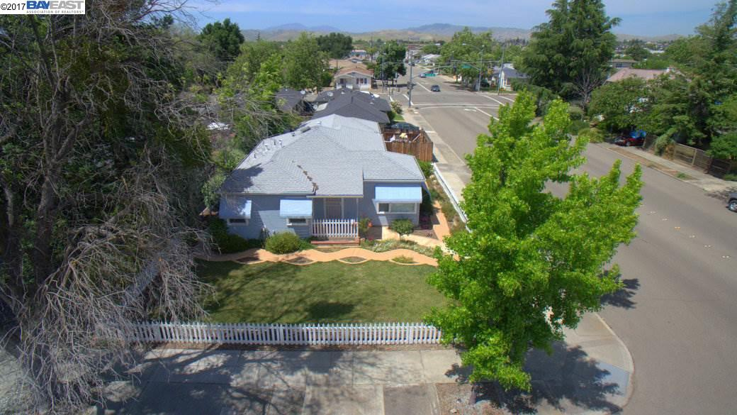 Additional photo for property listing at 1584 5Th Street 1584 5Th Street Livermore, California 94550 United States
