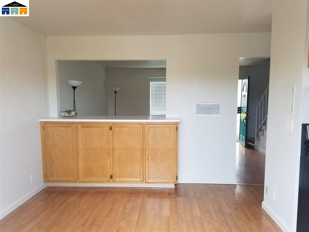 Additional photo for property listing at 260 Sunset Blvd  Hayward, 加利福尼亞州 94541 美國