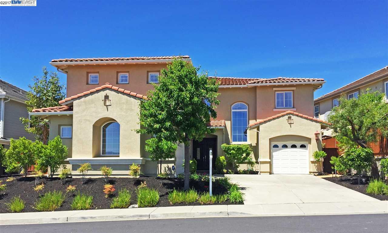 Maison unifamiliale pour l Vente à 2797 East Sugar Hill Ter Dublin, Californie 94568 États-Unis