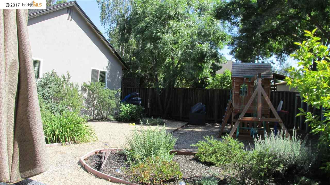 Additional photo for property listing at 1847 Farm Bureau Road  Concord, カリフォルニア 94519 アメリカ合衆国