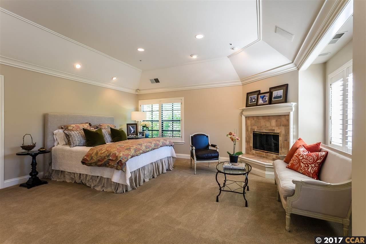 21 MERRILL CIRCLE SOUTH, MORAGA, CA 94556  Photo