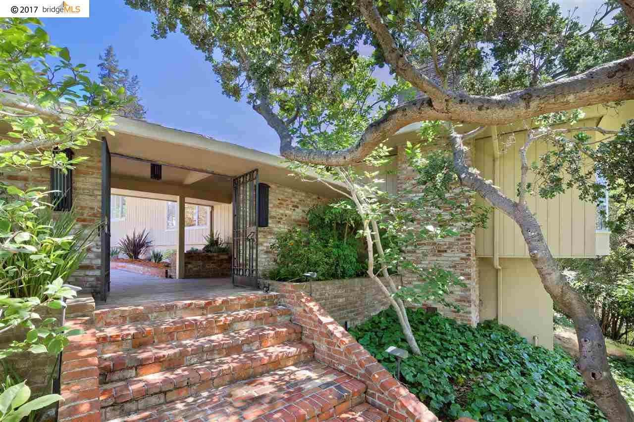 Single Family Home for Sale at 11 Huntleigh Road Piedmont, California 94611 United States