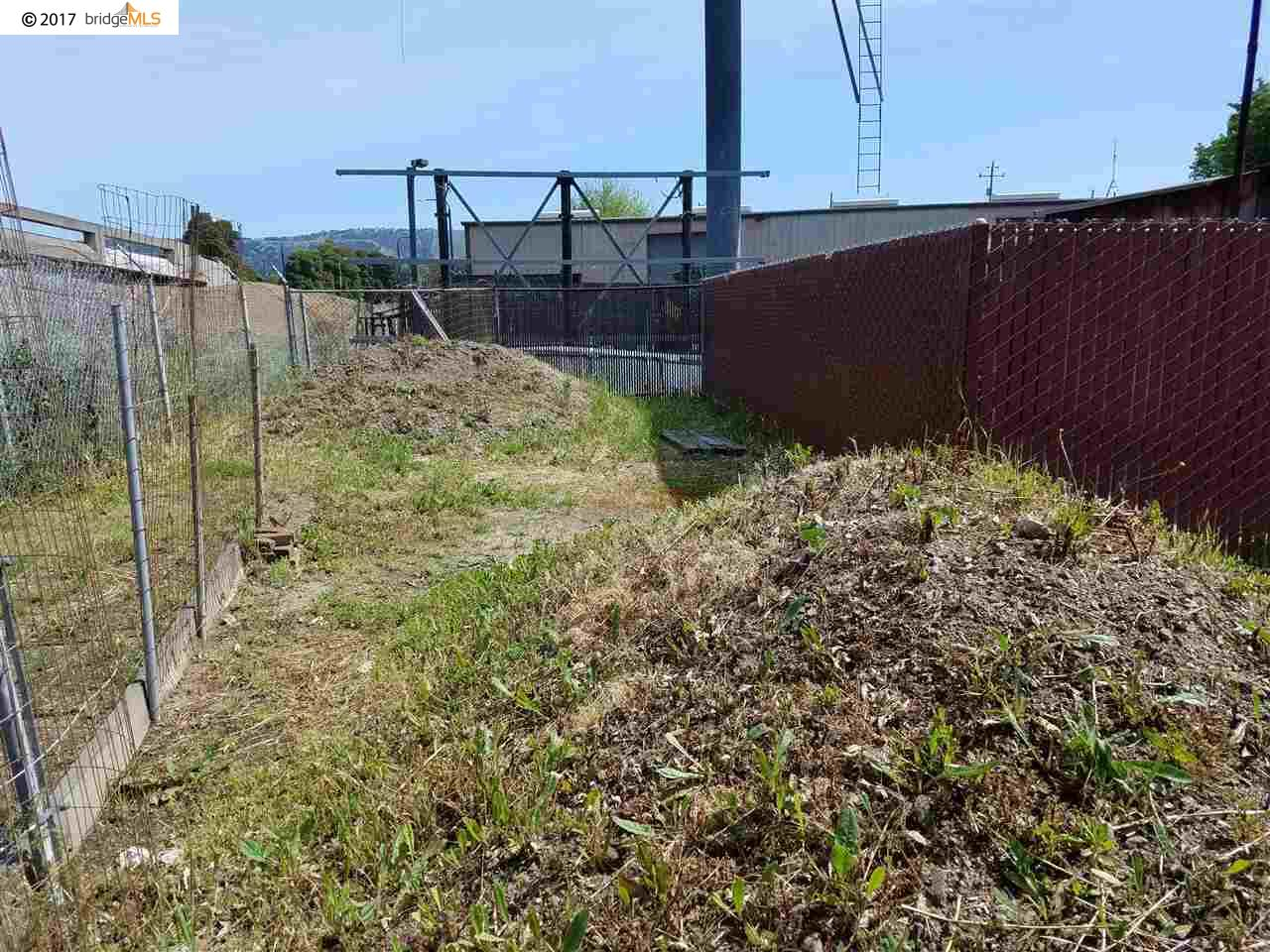 Additional photo for property listing at 867 75Th Avenue  Oakland, California 94621 United States