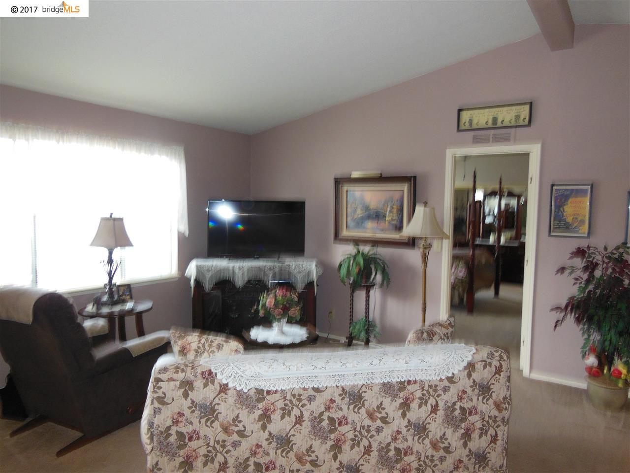 Additional photo for property listing at 1844 Paris Lane  Antioch, Californie 94509 États-Unis