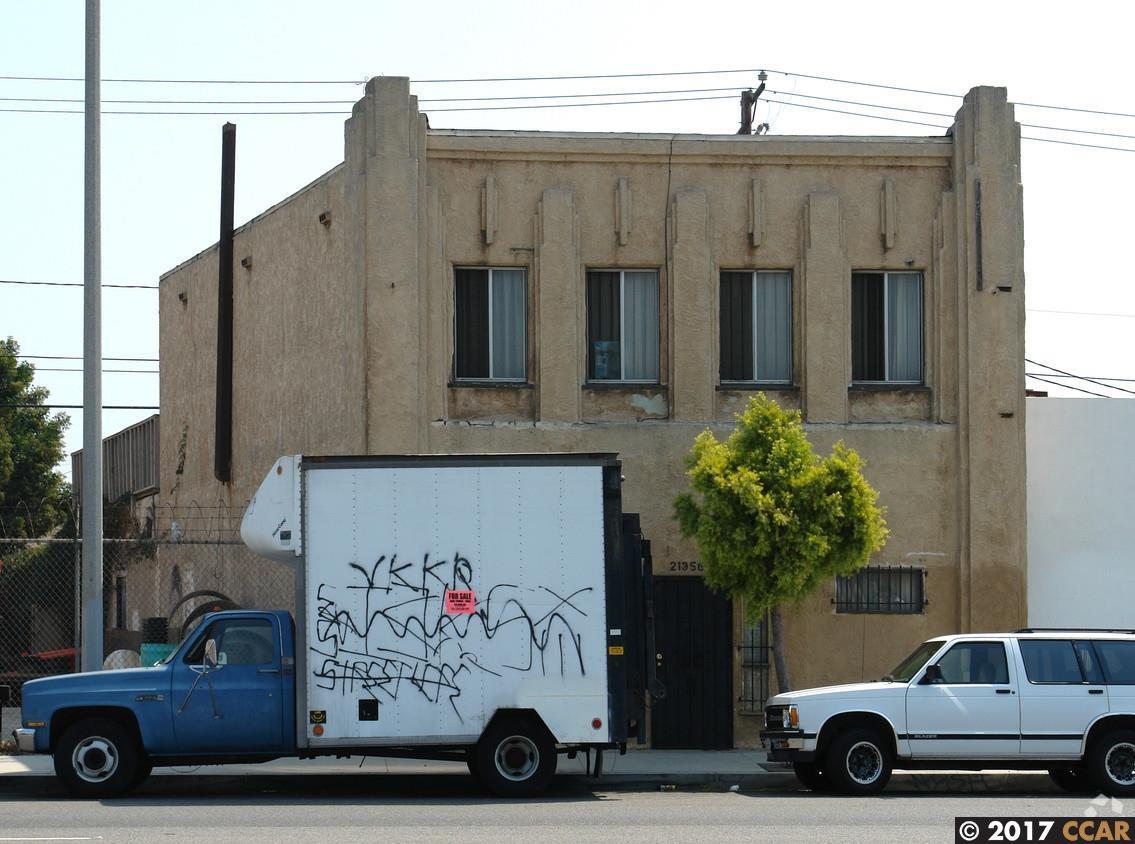 21356 S Alameda Street, CARSON, CA 90810