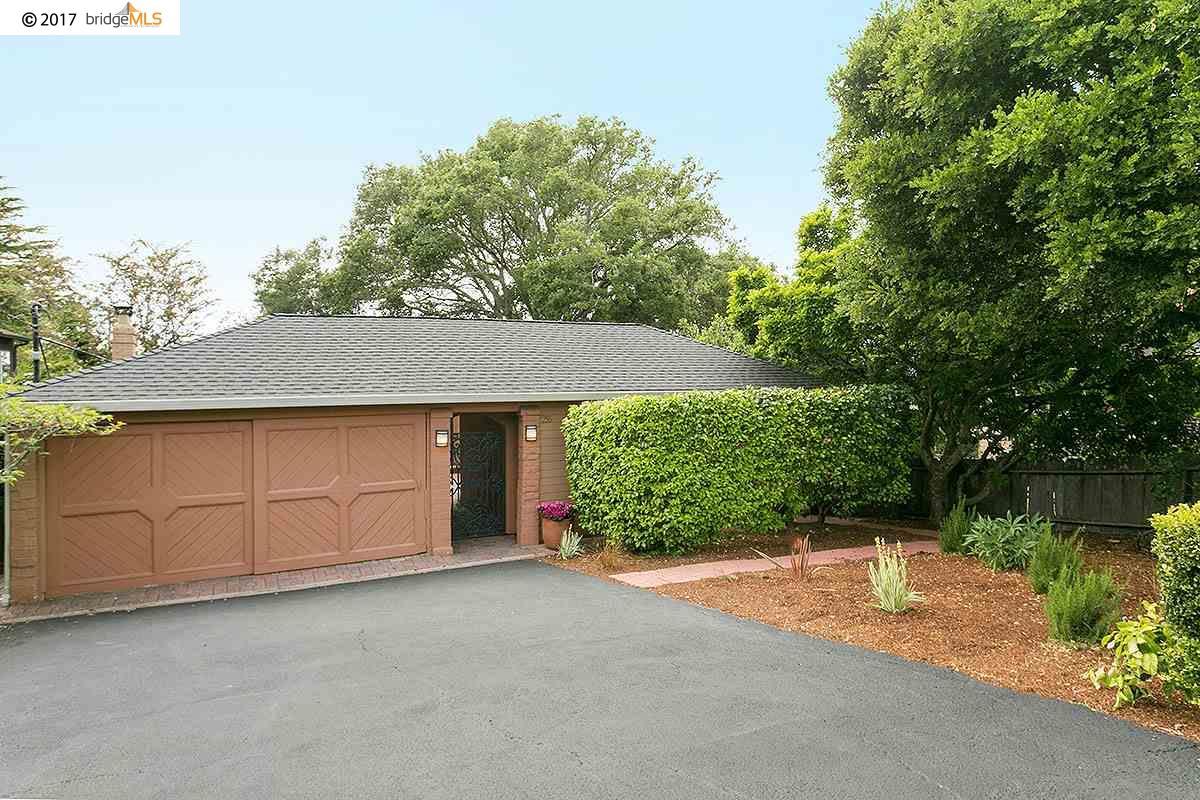 Casa Unifamiliar por un Venta en 256 LAKE DRIVE Kensington, California 94708 Estados Unidos