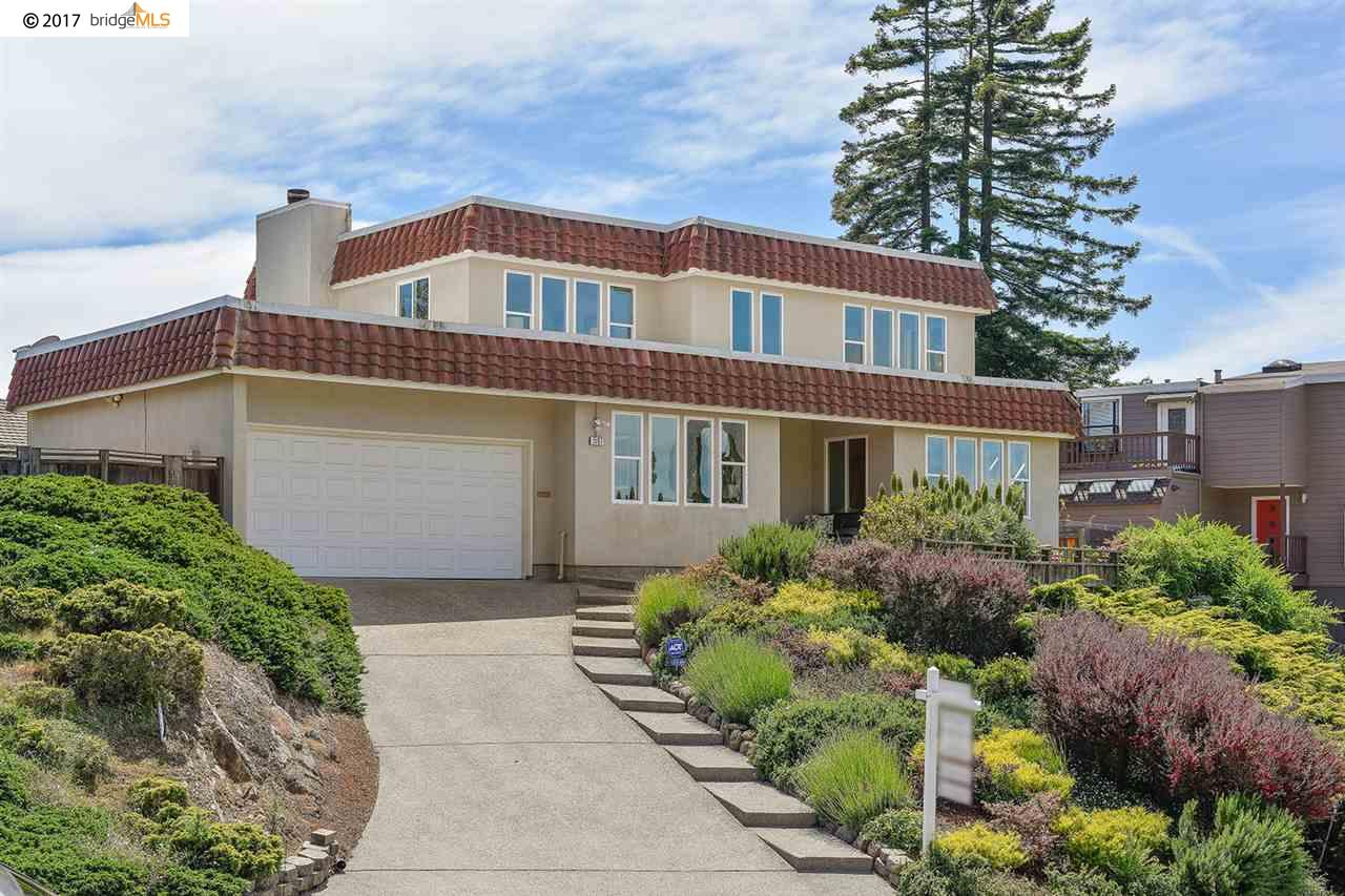 واحد منزل الأسرة للـ Sale في 1507 MADERA CIRCLE El Cerrito, California 94530 United States