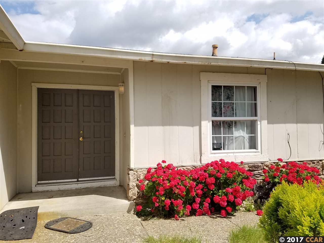 Additional photo for property listing at 304 W Leland Road 304 W Leland Road Pittsburg, California 94565 United States