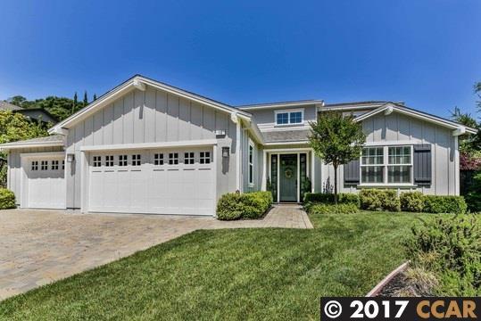 獨棟家庭住宅 為 出售 在 10 Kimberly Drive Moraga, 加利福尼亞州 94556 美國