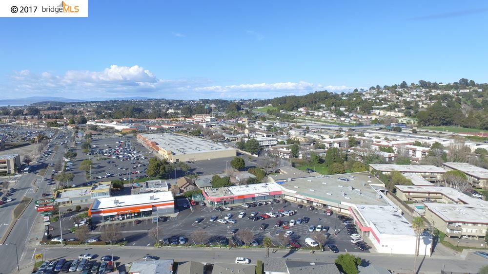 Comercial por un Venta en 13110 San Pablo Avenue San Pablo, California 94805 Estados Unidos