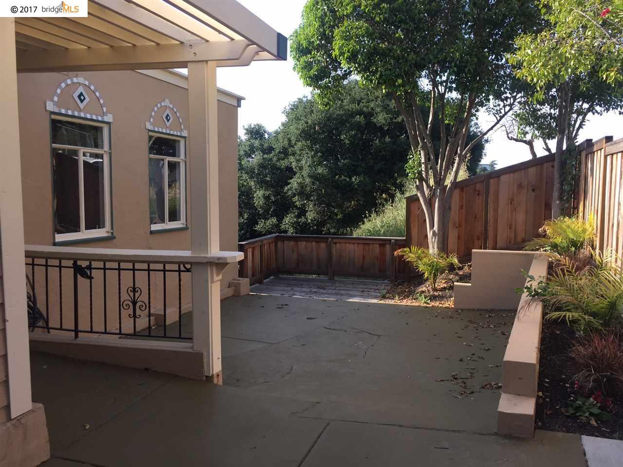 コンドミニアム のために 賃貸 アット 2220 S Crest Avenue Martinez, カリフォルニア 94553 アメリカ合衆国