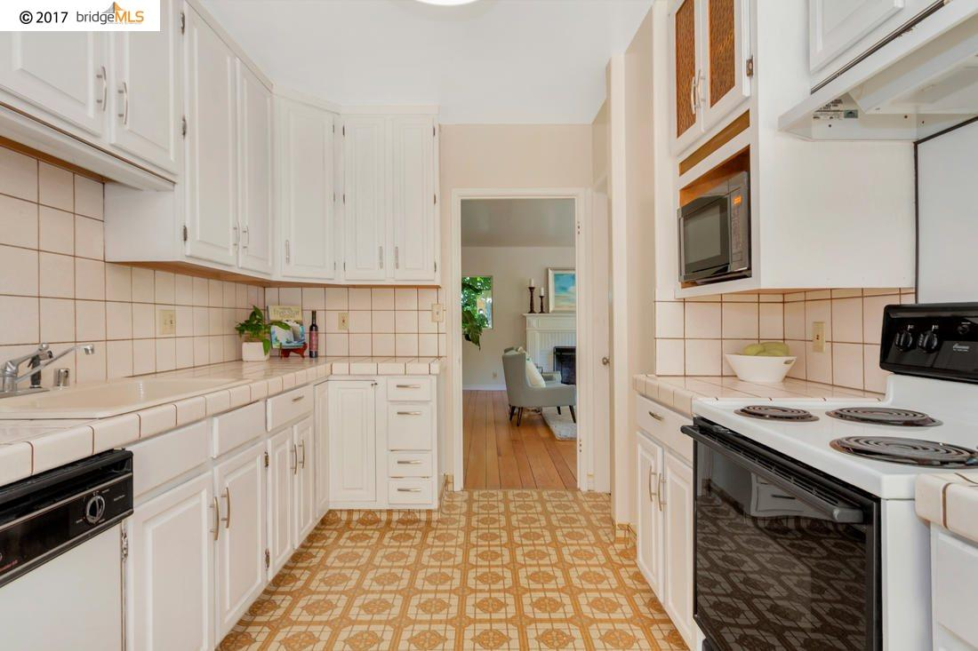 Additional photo for property listing at 1533 Trestle Glen Road  Oakland, Californie 94610 États-Unis