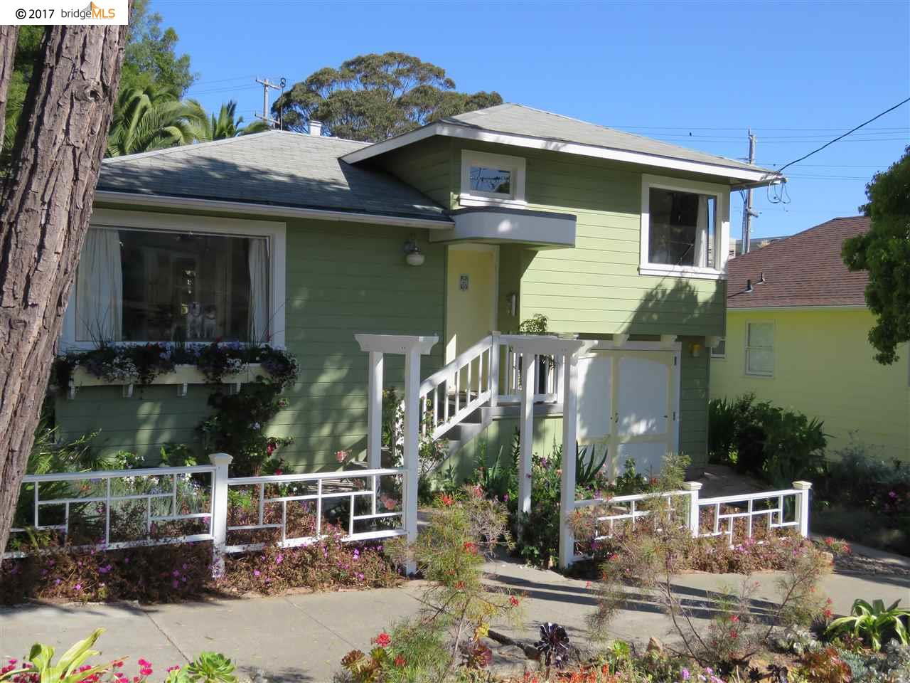 Maison unifamiliale pour l Vente à 122 CASTRO STREET Point Richmond, Californie 94801 États-Unis