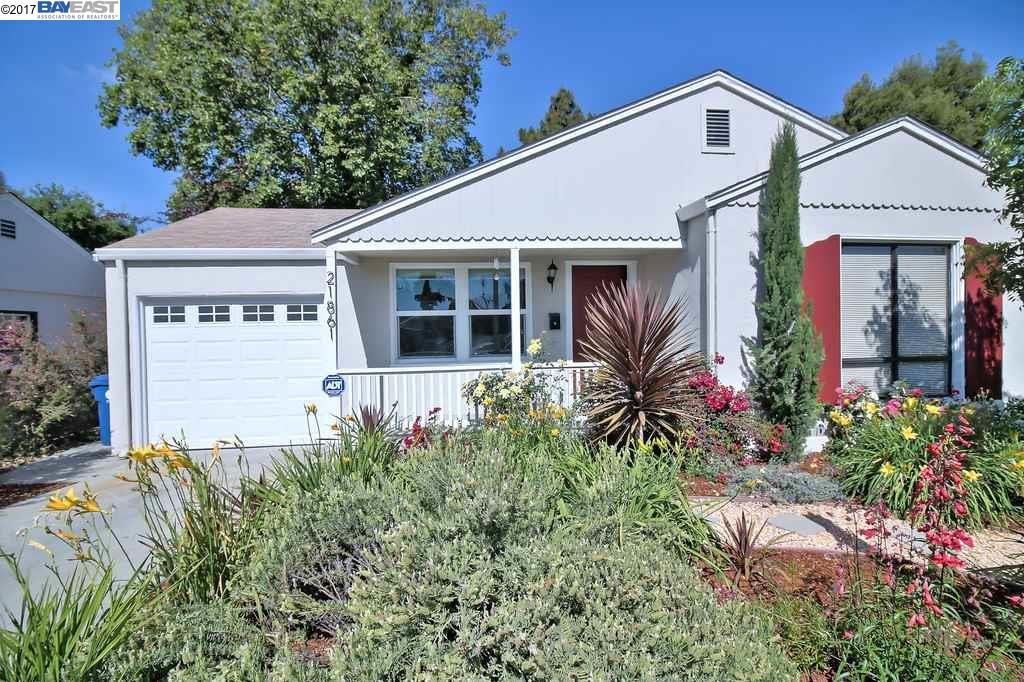 Single Family Home for Sale at 21861 Redwood Road Castro Valley, California 94546 United States