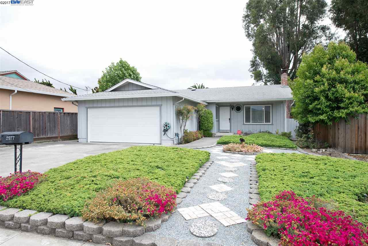 Single Family Home for Sale at 2977 Greenview Drive Castro Valley, California 94546 United States