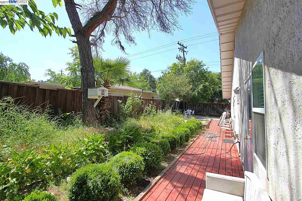 Additional photo for property listing at 1200 Mcewing Court  Concord, カリフォルニア 94521 アメリカ合衆国