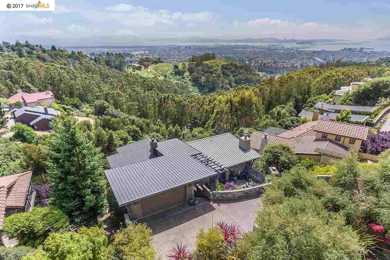 Oakland                                                                      , CA - $2,998,000