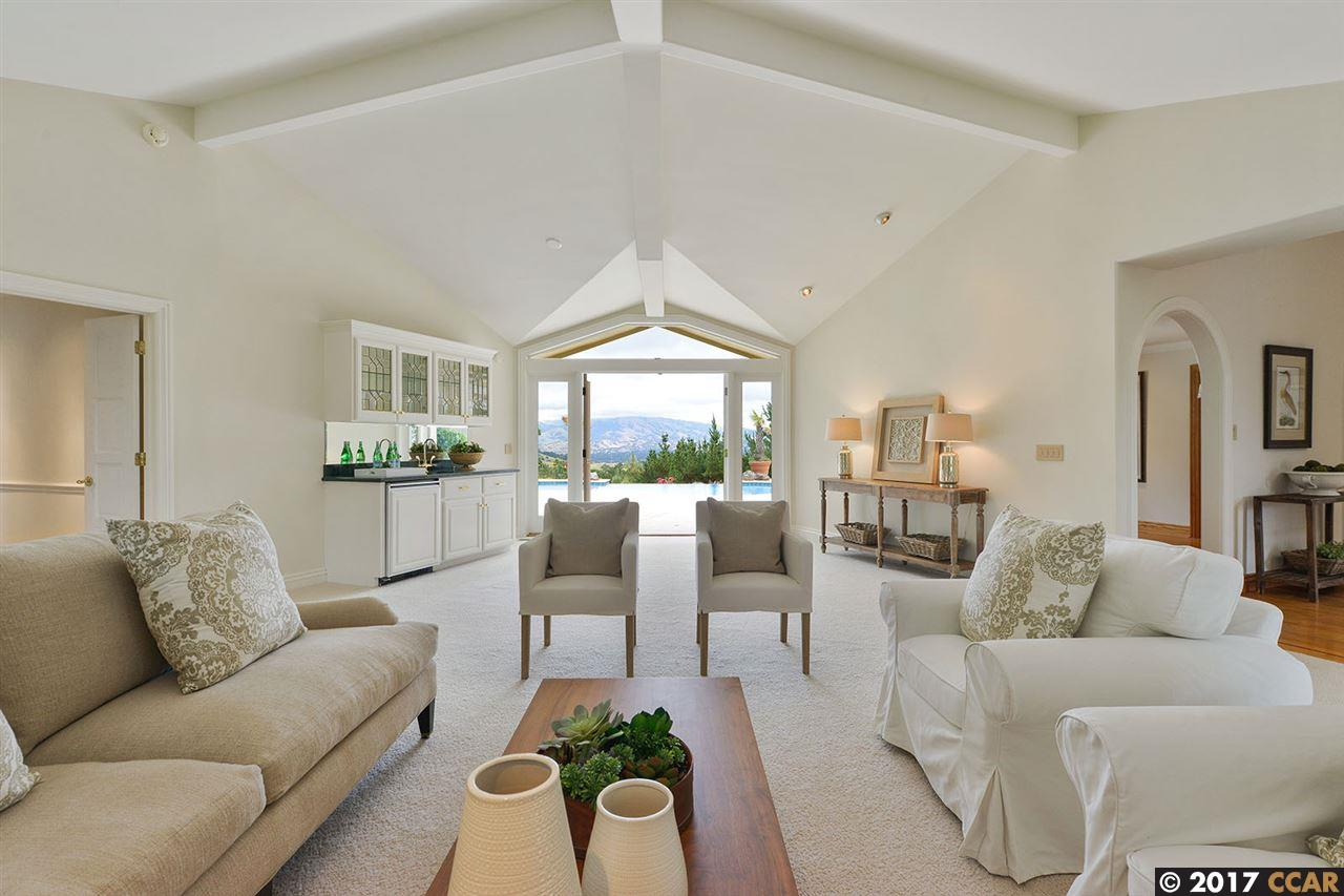 Additional photo for property listing at 3471 Sky Lane  Lafayette, カリフォルニア 94549 アメリカ合衆国