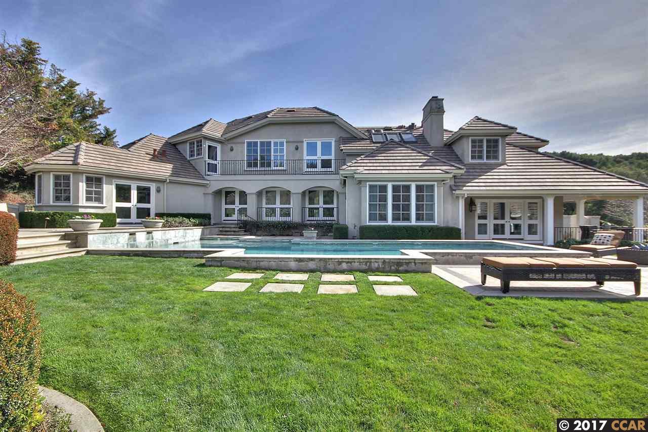 Single Family Home for Sale at 3 Julianna Court Moraga, California 94556 United States