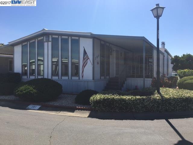 Casa Unifamiliar por un Venta en 4141 DEEP CREEK ROAD Fremont, California 94555 Estados Unidos