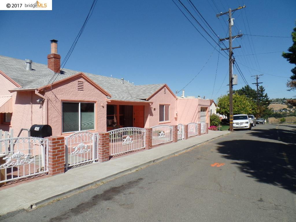واحد منزل الأسرة للـ Sale في 1932 Vista Del Rio Street Crockett, California 94525 United States