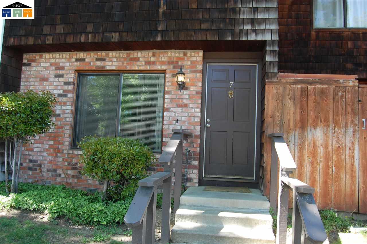 Eigentumswohnung für Verkauf beim 1771 Laguna Street Concord, Kalifornien 94520 Vereinigte Staaten