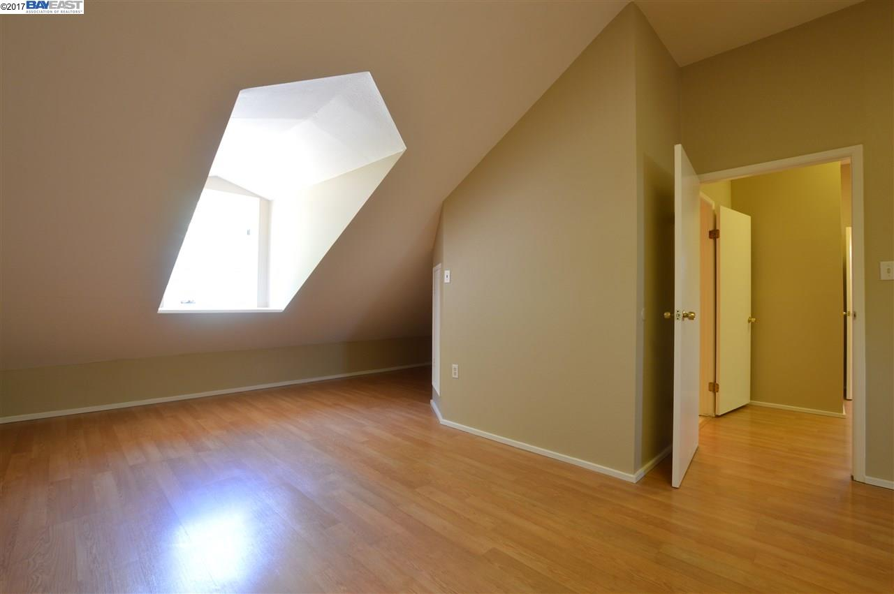 Additional photo for property listing at 355 Annette Lane  Hayward, California 94541 United States