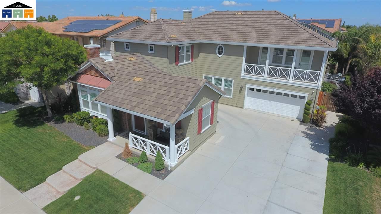 Casa Unifamiliar por un Venta en 2186 Calhoun Court Tracy, California 95376 Estados Unidos