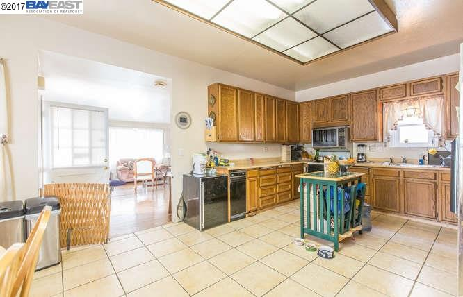 Additional photo for property listing at 1816 Saint Charles Street  Alameda, Californie 94501 États-Unis
