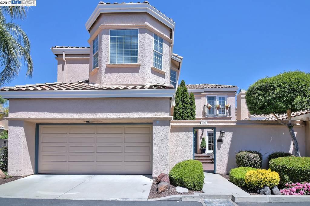 Maison unifamiliale pour l Vente à 301 Tamarron Way San Ramon, Californie 94582 États-Unis