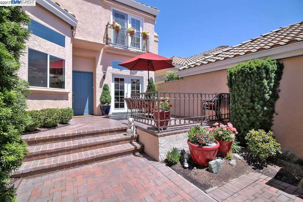 Additional photo for property listing at 301 Tamarron Way  San Ramon, California 94582 United States