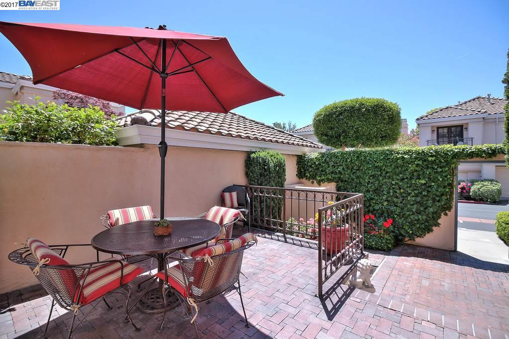Additional photo for property listing at 301 Tamarron Way  San Ramon, Californie 94582 États-Unis
