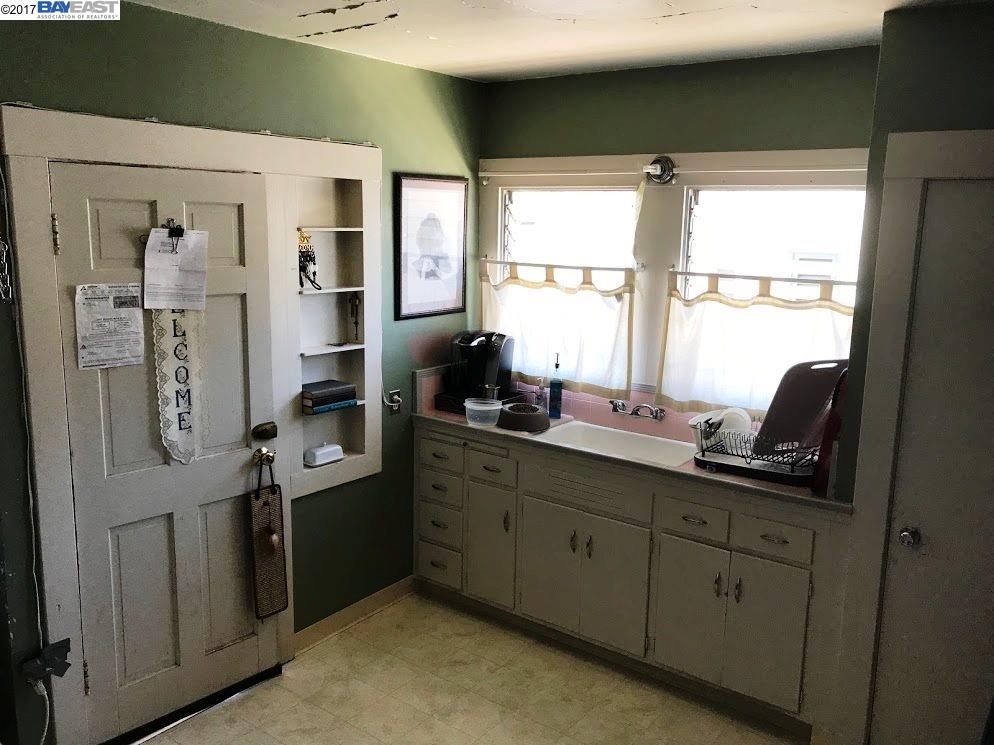 Additional photo for property listing at 4168 Park Blvd  Oakland, Kalifornien 94602 Vereinigte Staaten