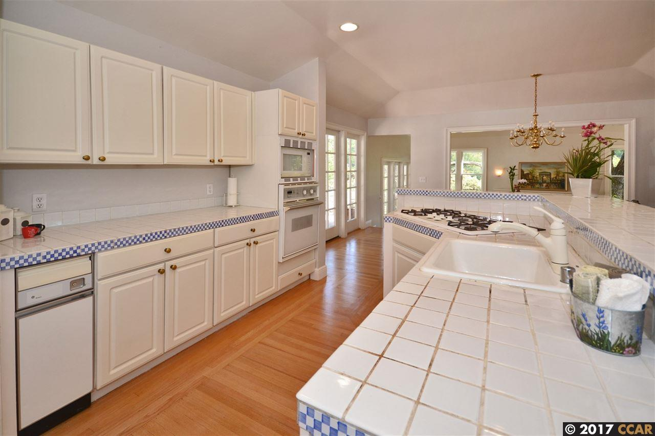 Additional photo for property listing at 6 Cresta Blanca  Orinda, California 94563 United States