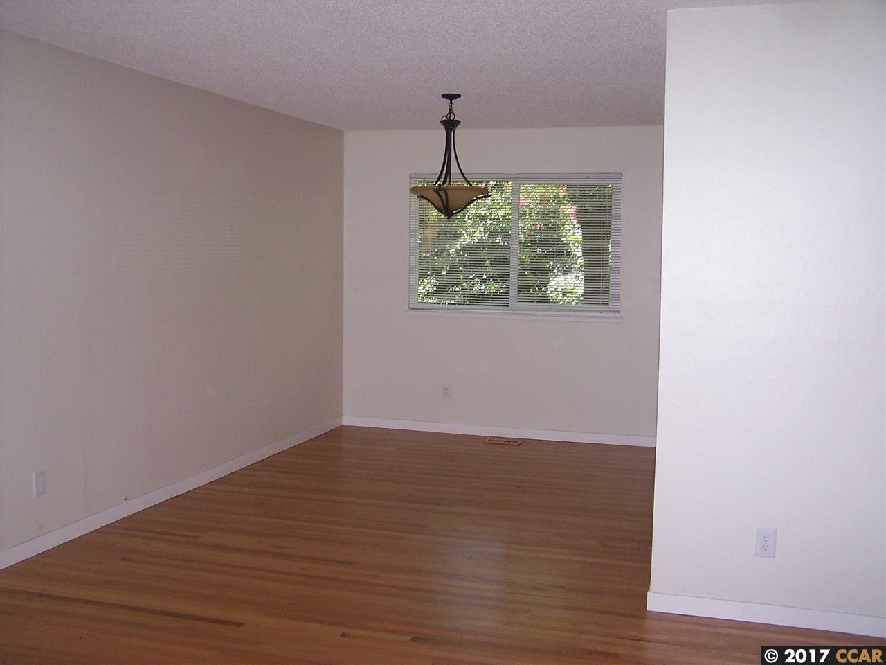 Additional photo for property listing at 443 Virginia Hills Drive  Martinez, カリフォルニア 94553 アメリカ合衆国