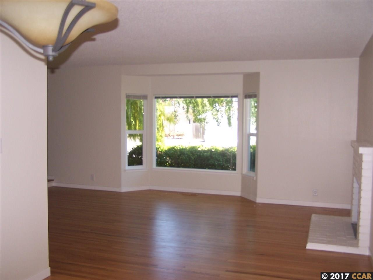 Additional photo for property listing at 443 Virginia Hills Drive  Martinez, Kalifornien 94553 Vereinigte Staaten