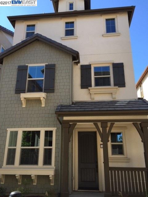 Частный односемейный дом для того Продажа на 1511 Hidden Creek Milpitas, Калифорния 95035 Соединенные Штаты