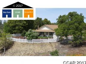 Частный односемейный дом для того Продажа на 4603 Conestoga Copperopolis, Калифорния 95228 Соединенные Штаты