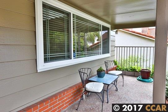Additional photo for property listing at 18458 Carlwyn Drive  Castro Valley, California 94546 United States