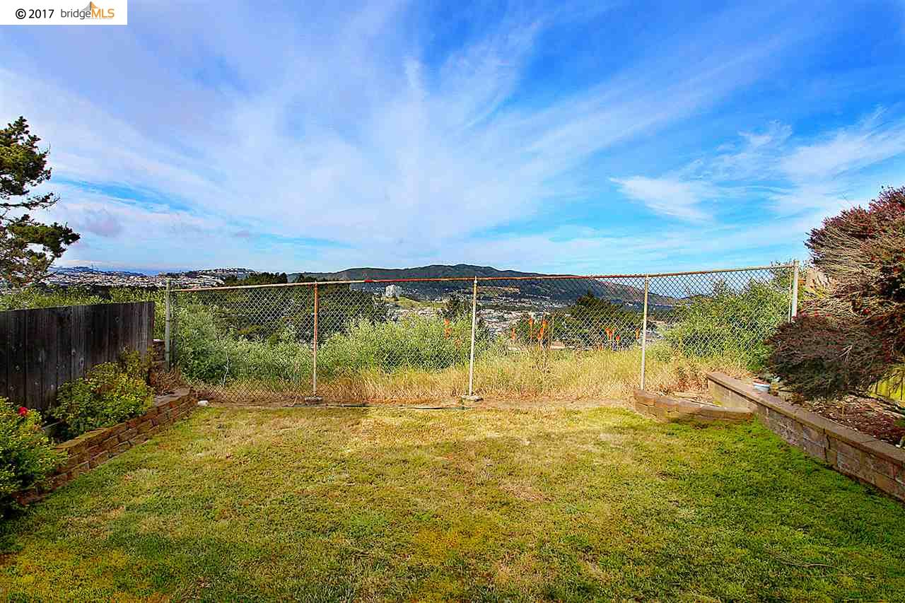 Additional photo for property listing at 737 Skyline Drive  Daly City, Californie 94015 États-Unis