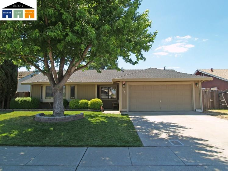 Single Family Home for Sale at 15497 Eagle Lane Lathrop, California 95330 United States