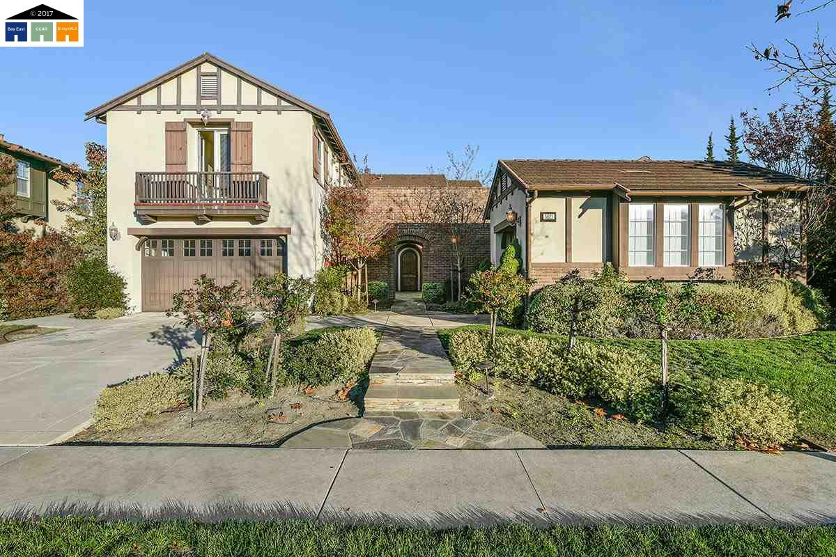 Maison unifamiliale pour l Vente à 5521 Satinleaf Way San Ramon, Californie 94582 États-Unis