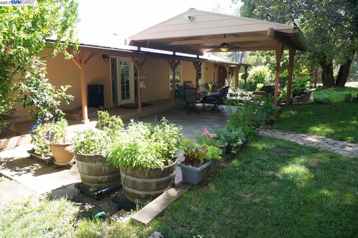 Additional photo for property listing at 121 Rifle Range Road 121 Rifle Range Road Junction City, California 96048 United States