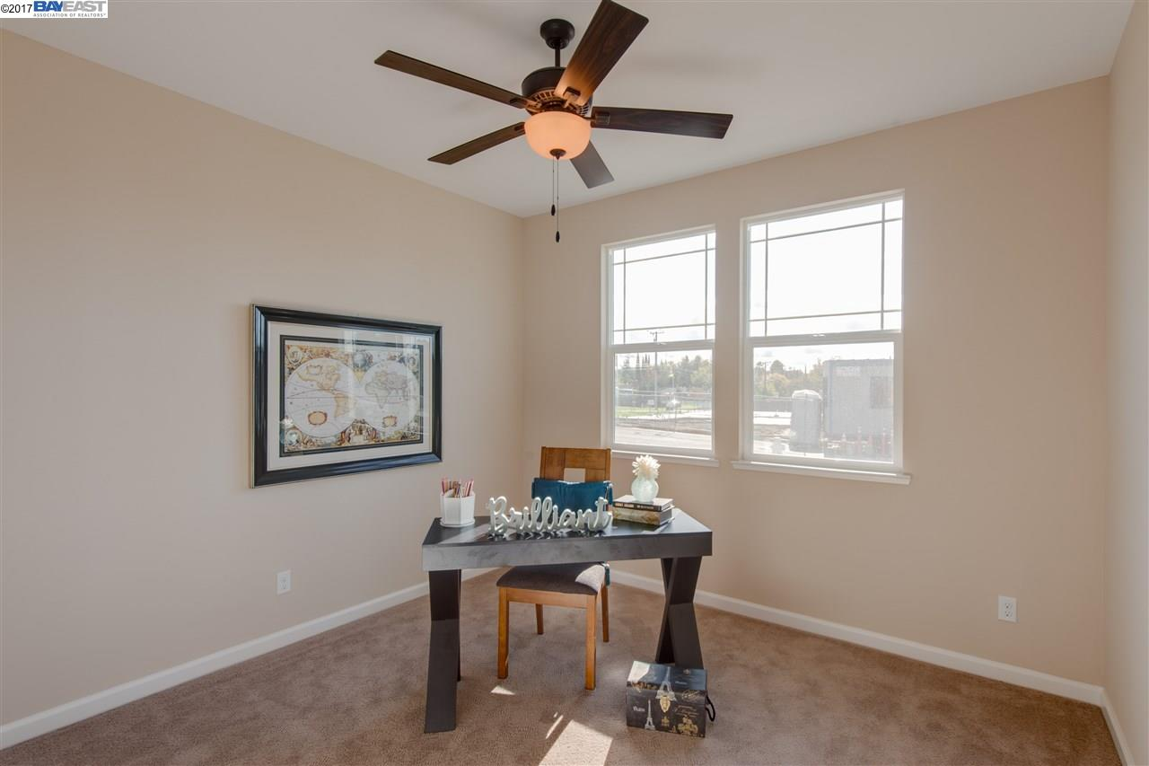 Additional photo for property listing at 3887 Callie Court  Concord, California 94521 Estados Unidos