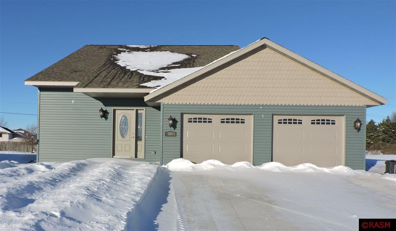 This new, split level home sits in the development of Copper Village. With 3 bedrooms and 2 bathrooms, this modern home is perfectly laid out. There is a large entry way with widened stairs leading to the lower level. The kitchen, dining room and great room are all open and great for entertaining. All 3 bedrooms and 1 bath are in the upper level. The garage is an oversized double. Call today to see view this wonderful home.