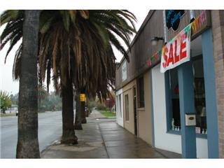 Коммерческий для того Продажа на 1005 W Robertson Boulevard 1005 W Robertson Boulevard Chowchilla, Калифорния 93610 Соединенные Штаты