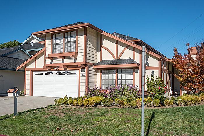 Maison unifamiliale pour l Vente à 623 Cornwallis Lane Foster City, Californie 94404 États-Unis